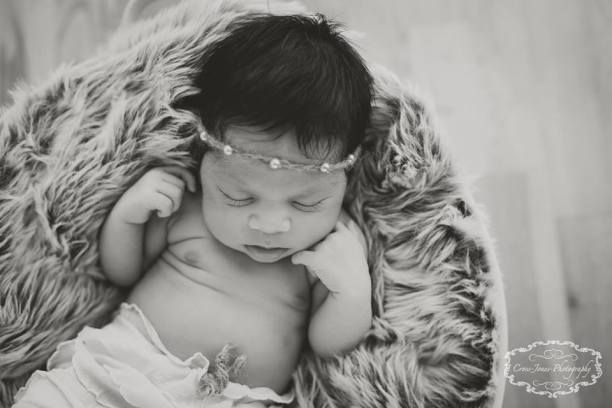 specialist newborn photographer South Wales